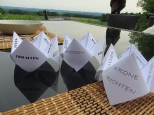DIY-Tischdeko: Hinfallen, Aufstehen, Krone richten...