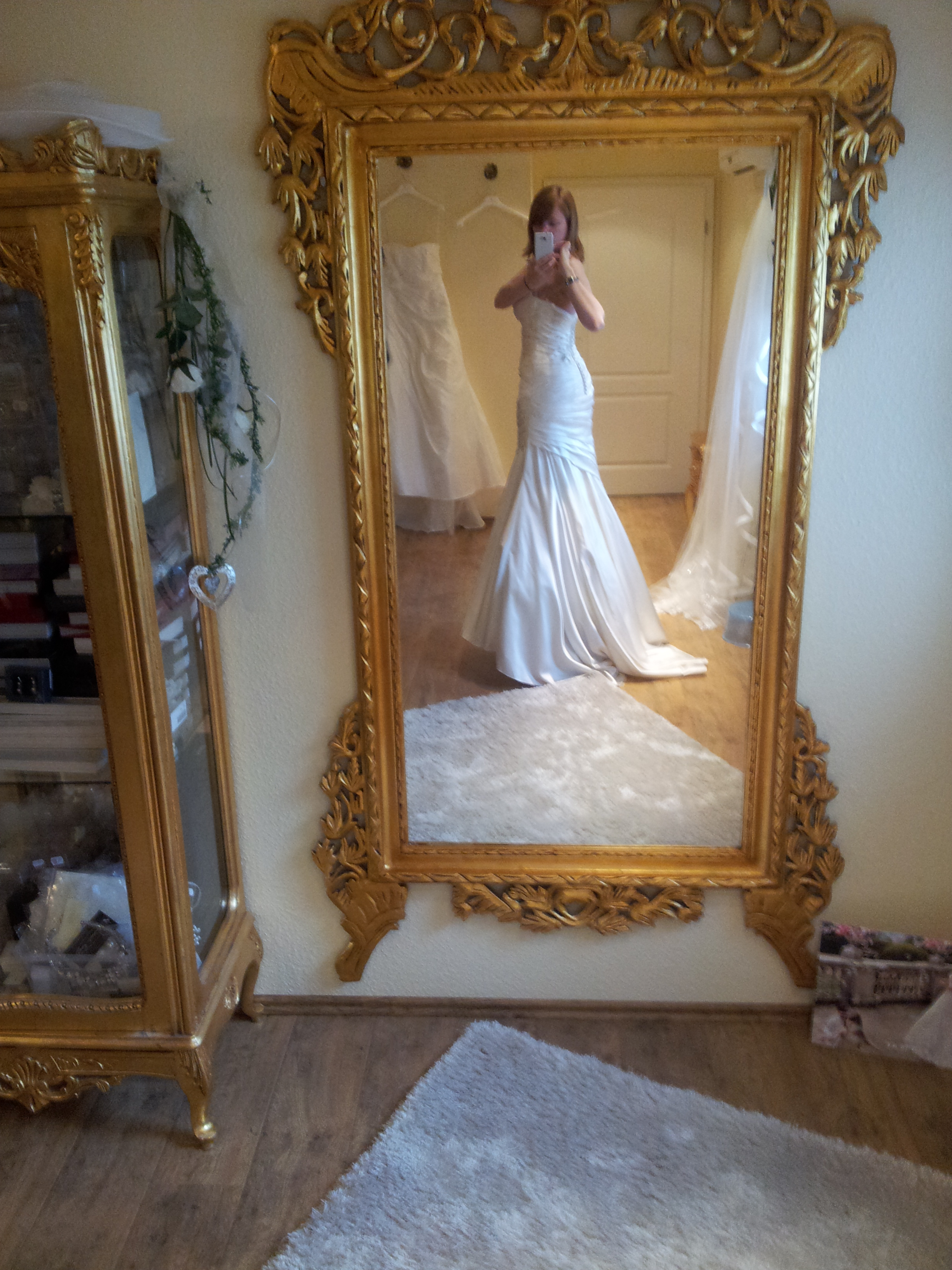Mein allergrößtes Hochzeitsgeheimnis - Kleid No. 2 - Lieben Leben Reisen