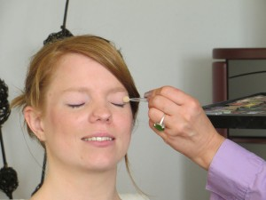 Make-Up beim Brautstyling