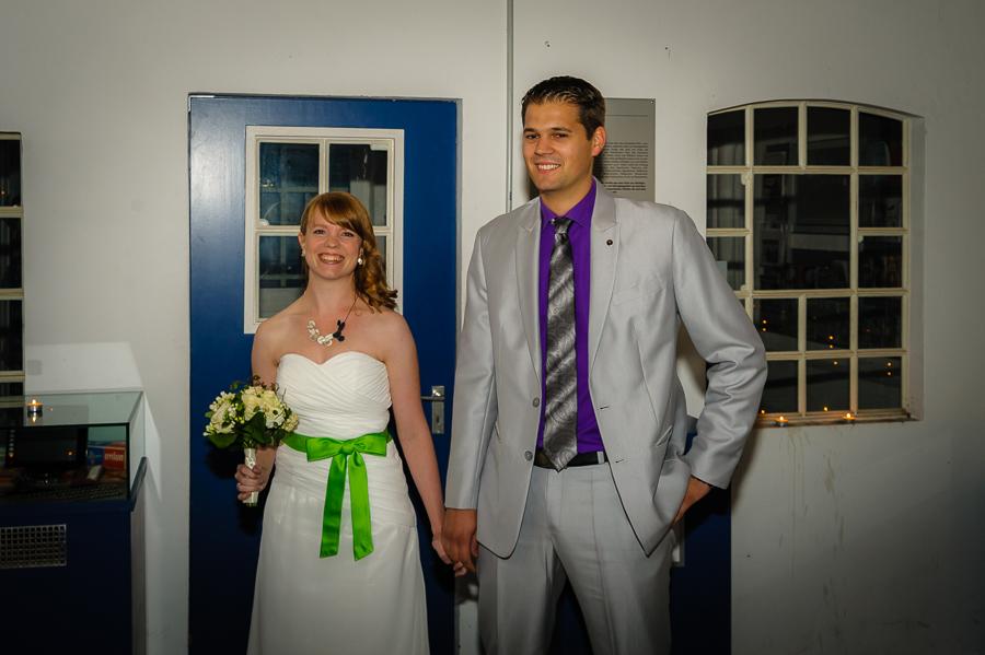 aufgeregt und noch unverheiratet