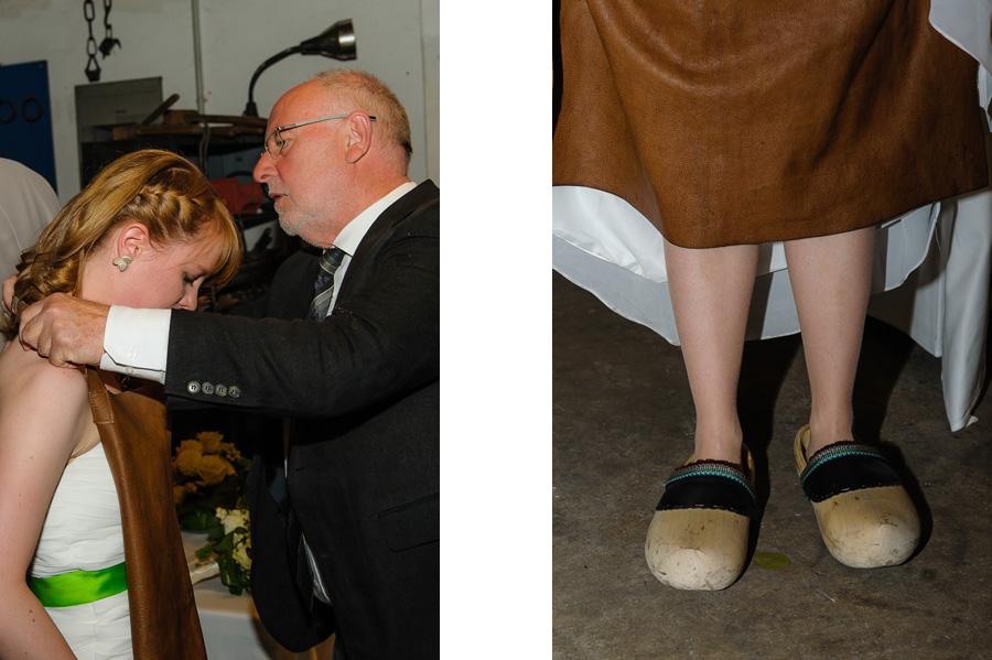 Zum Schmieden muss die Braut sich umziehen