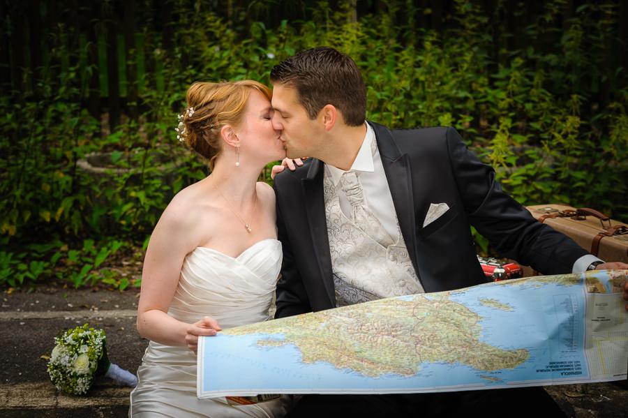 Kuss mit Landkarte