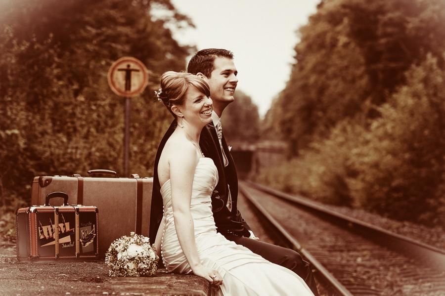 Glücklich am Bahnsteig