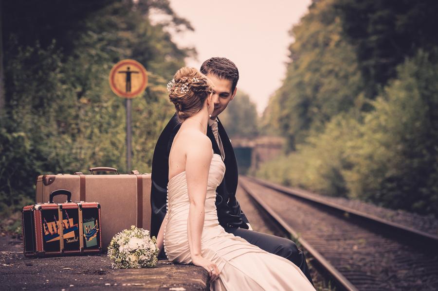 Auch mal sitzend beim Brautpaarshooting