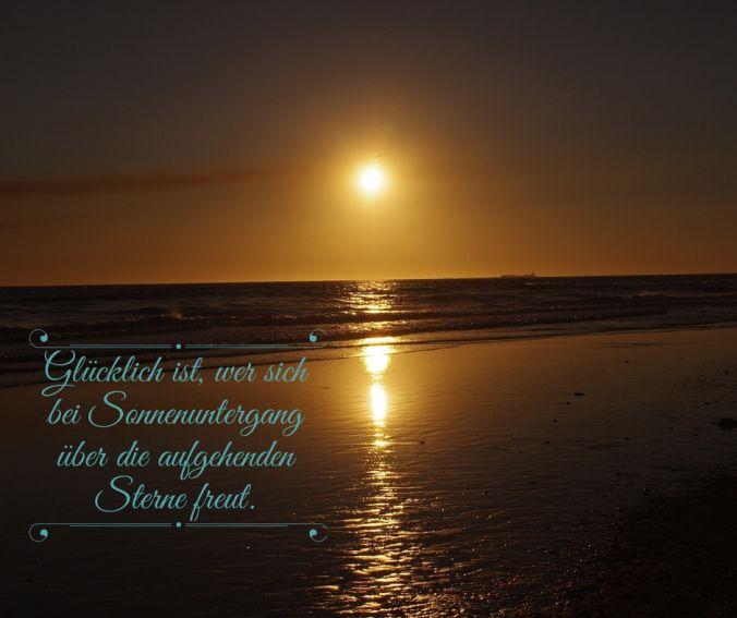 Beim Sonnenuntergang an Sterne denken