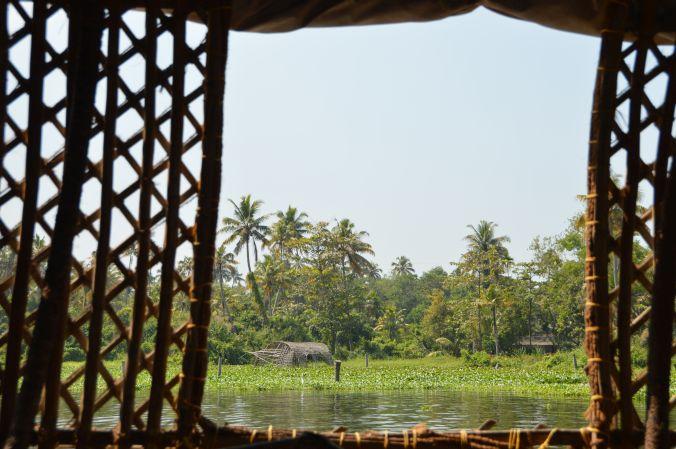 Blick aus dem traditionellen Hausboot