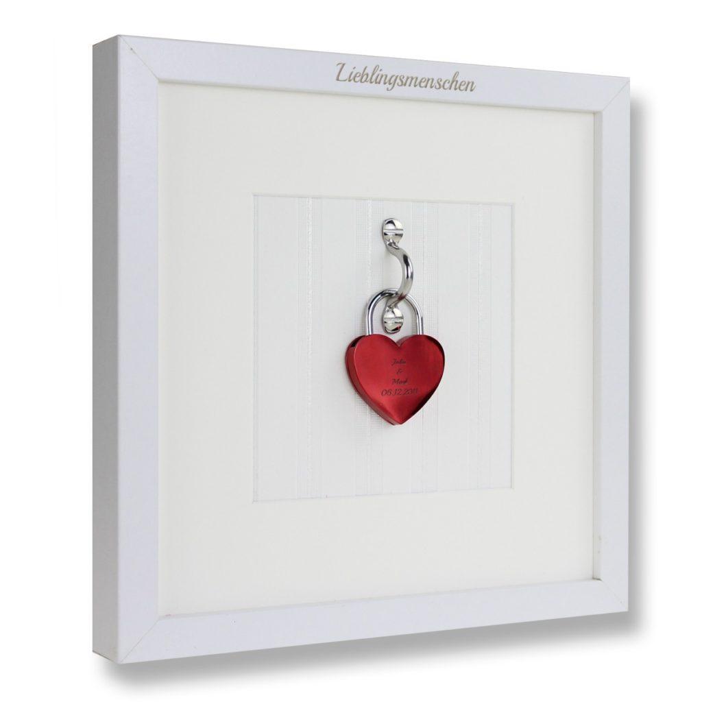 Liebesschloss im Rahmen © geschenkidee.de