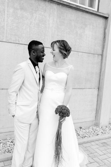 Lachen am Hochzeitstag