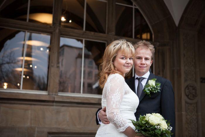 Caro und Simon am Hochzeitstag