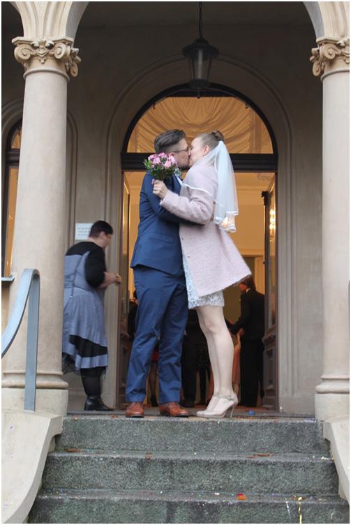 Ein Kuss des Brautpaars