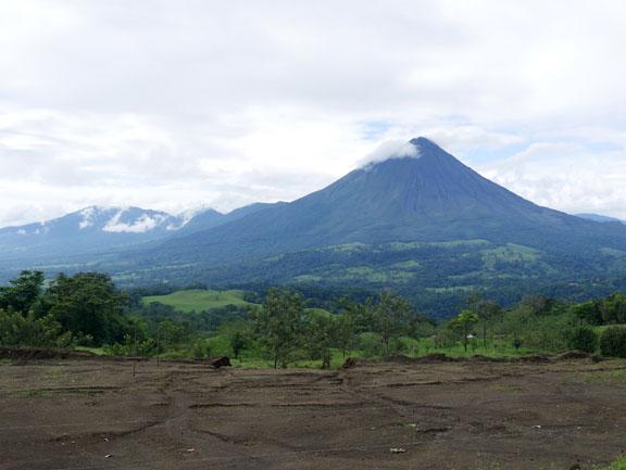 Blick auf Cerro Chato und Vulkan Arenal